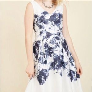 💙NWT MODCLOTH💙EXCEPTIONALLY CHIC FLORAL DRESS💙